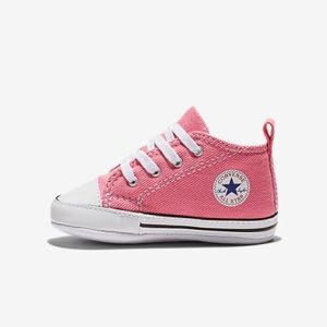 Converse Chuck Taylor Infant Bootie in Pink